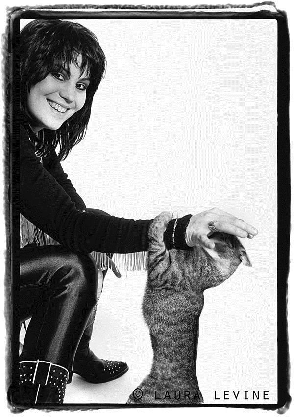 Joan Jett NYC 1981 © Laura Levine