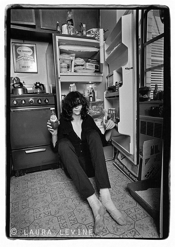 Joey Ramone, NYC, 1982 © Laura Levine