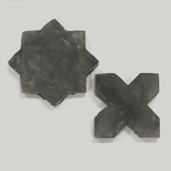 cle tile: Belgian reproduction, star cross, Flemish black bundle