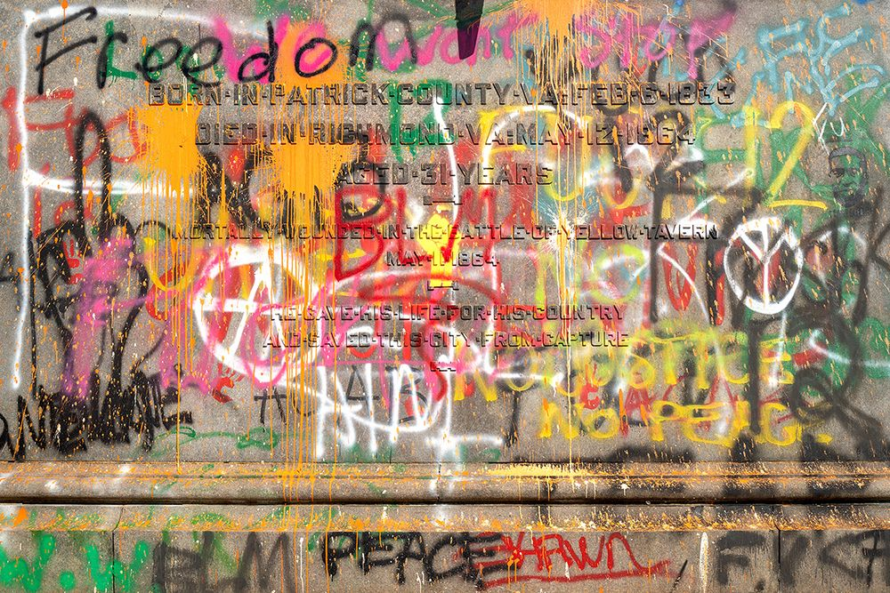 Monument-Graffiti