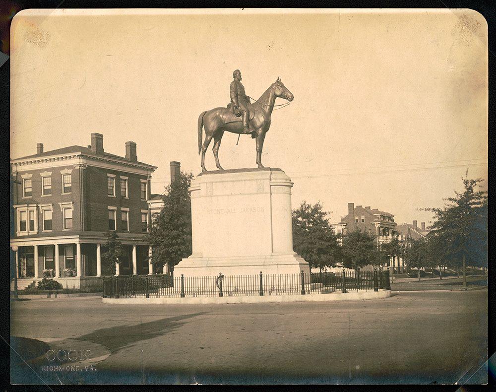 Monument-Jackson-Vintage