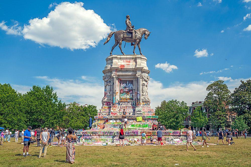 Monument-Lee