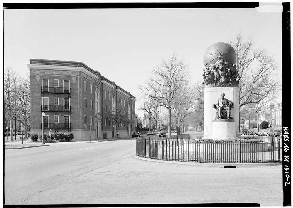 Monument-Maury-Vintage
