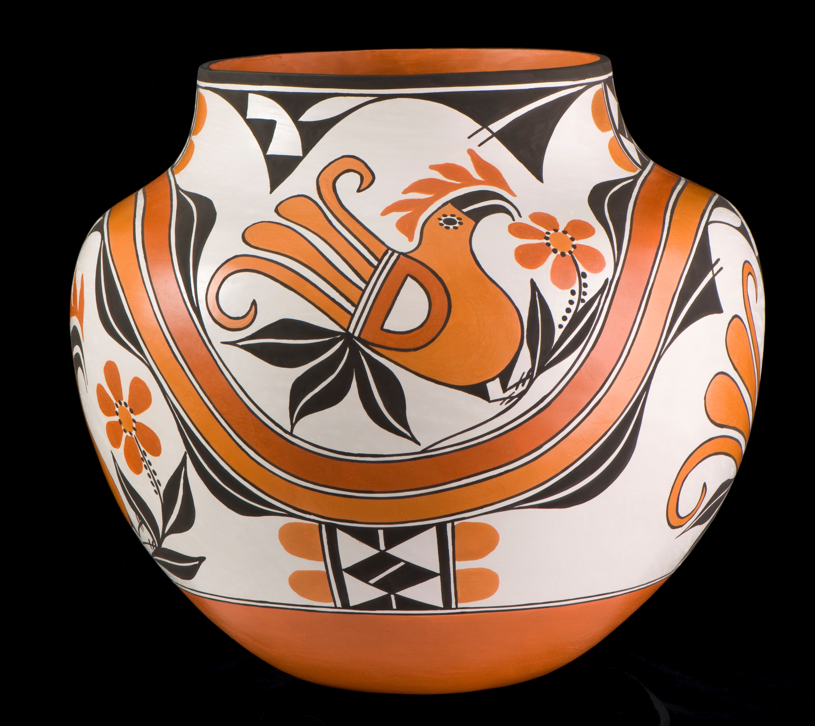 Olla. By Robert and Melody Patrico (Acoma Pueblo), 2007. National Cowboy & Western Heritage Museum.