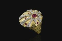 Maya Ring, Corrado Sacchi