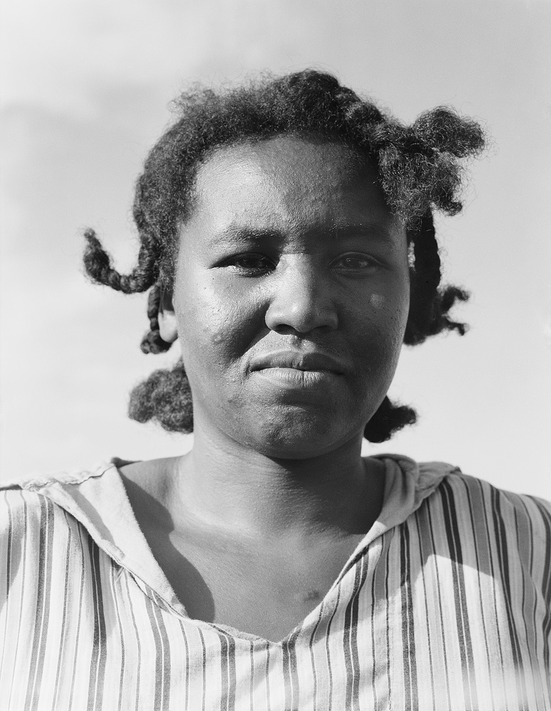 Dorothea Lange. Untitled (Mississippi), ca. 1938. Gelatin silver print. © The Dorothea Lange Collection, the Oakland Museum of California, City of Oakland, Gift of Paul S. Taylor