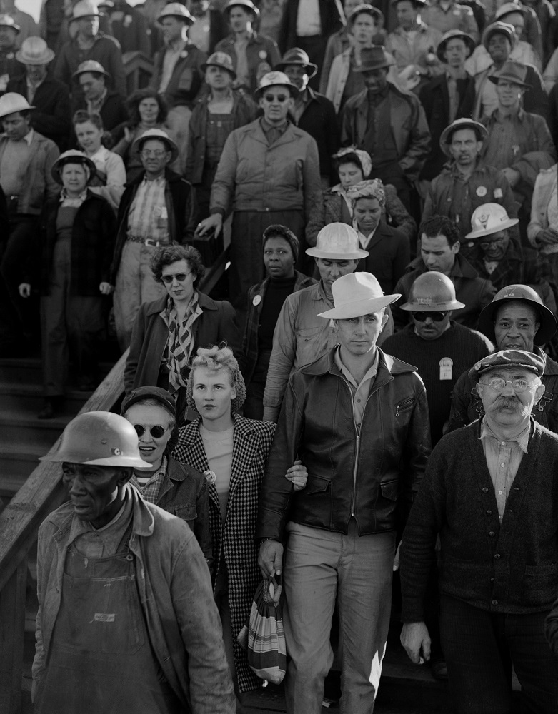 Dorothea Lange. Shipyard Construction Workers, Richmond, California, 1942. Gelatin silver print, 13 1/2 x 10 1/2 in. © The Dorothea Lange Collection, the Oakland Museum of California, City of Oakland, Gift of Paul S. Taylor