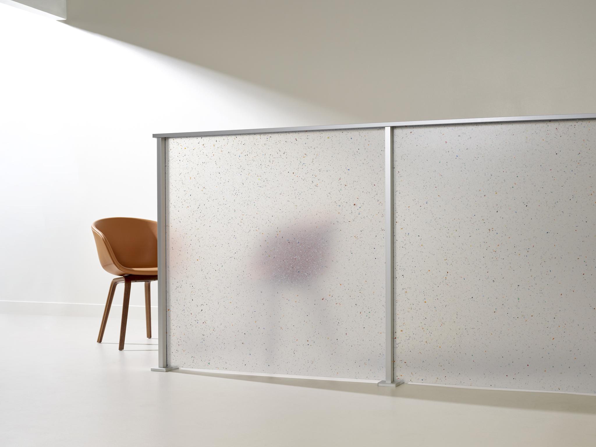 3form-varia-flek-pure-iltuo-clear-anodized-detail-02-landscape-1