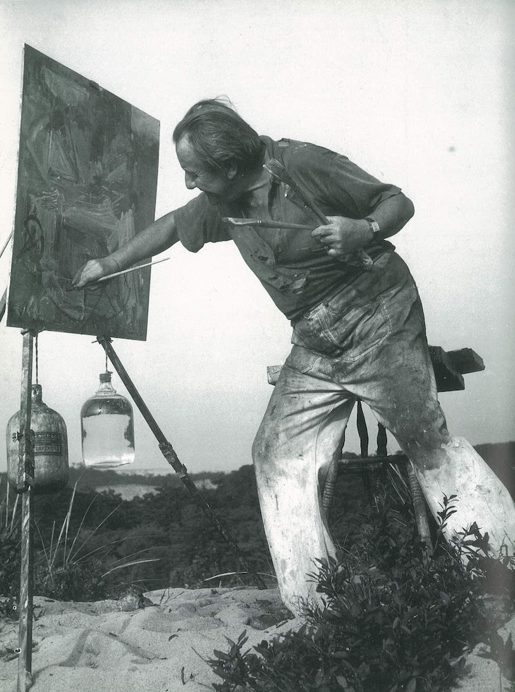 Herbert Matter, Hans Hofmann Painting in the Dunes, 1942. © Herbert Matter Estate. Photograph courtesy of Staley-Wise Gallery, New York.
