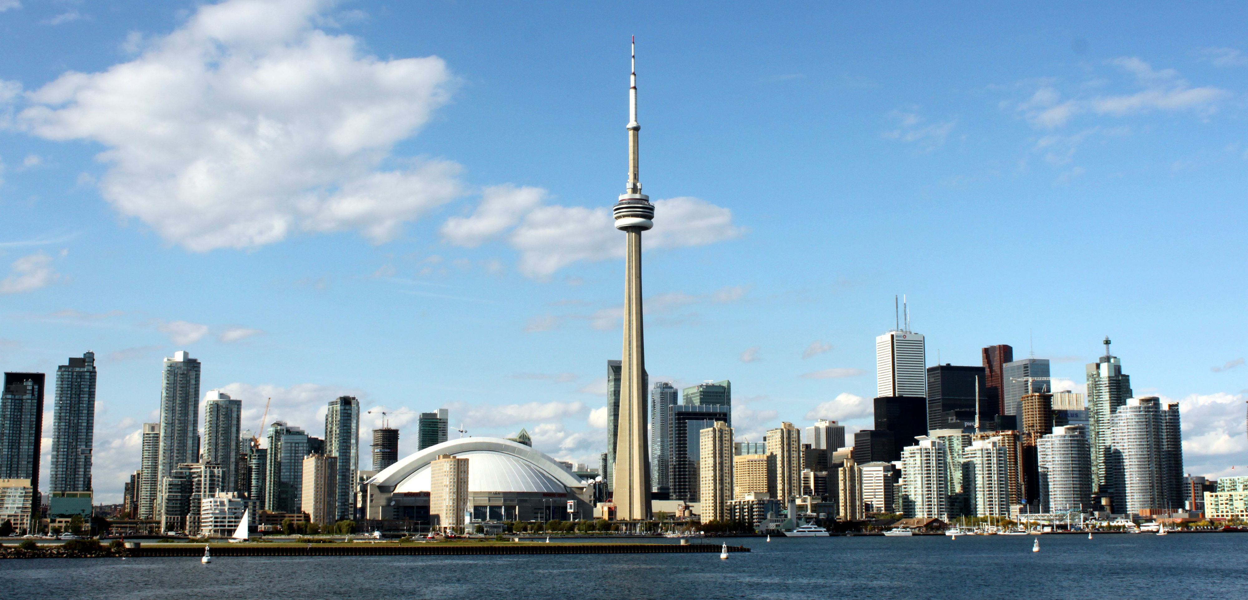 Toronto Skyline by Prayitno