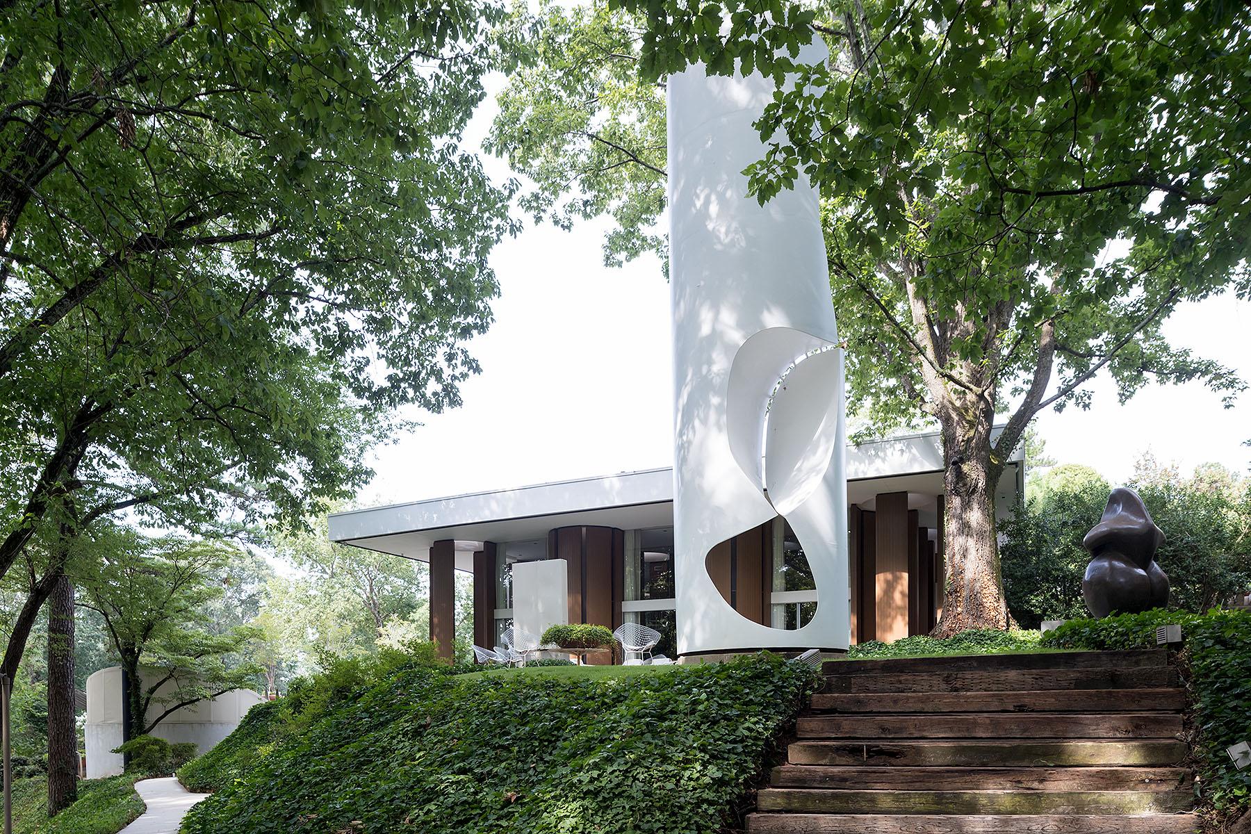 Entelechy House, John Portman; Iwan Baan Studio