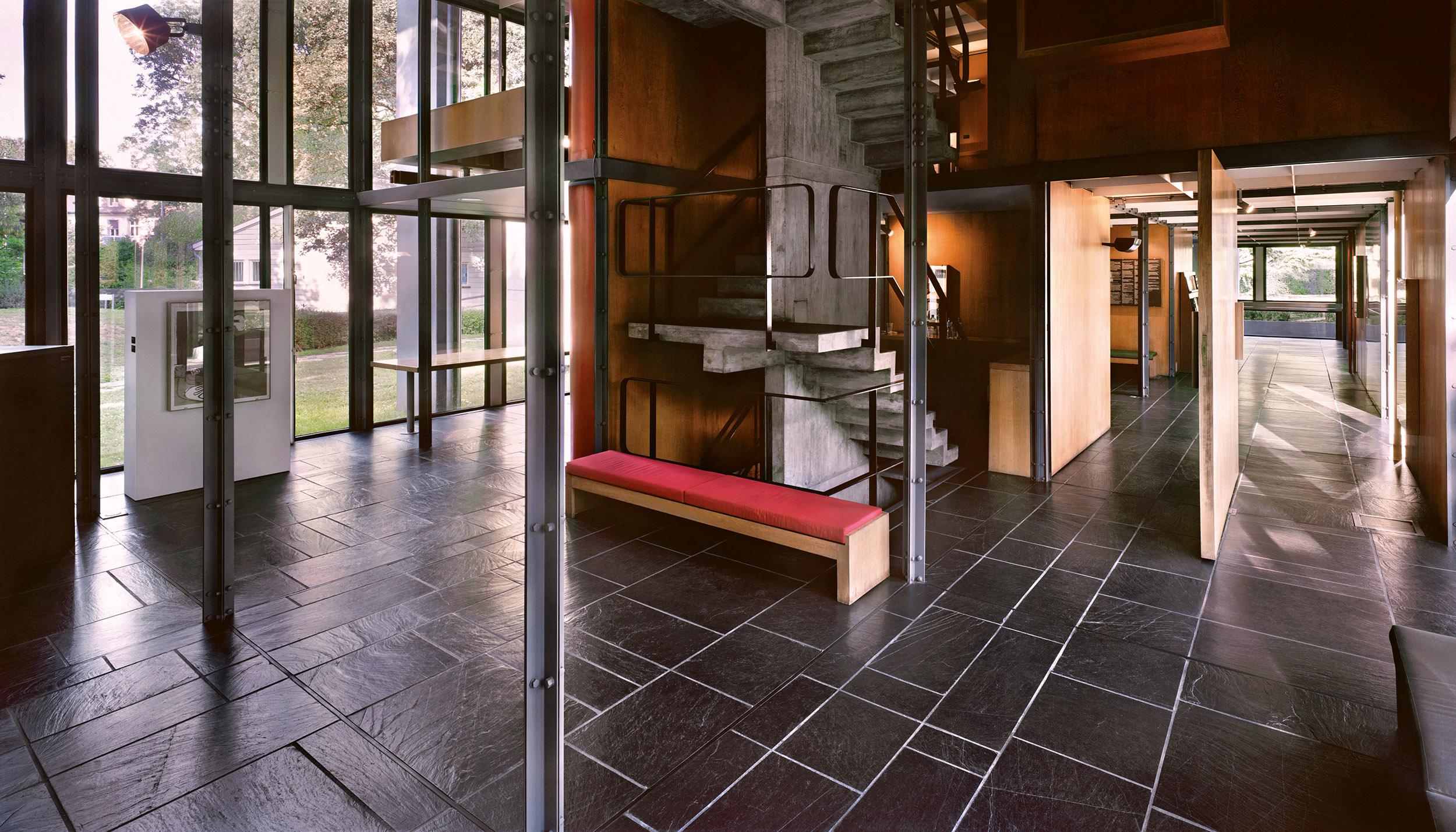 Le Corbusier, Exhibition Pavilion