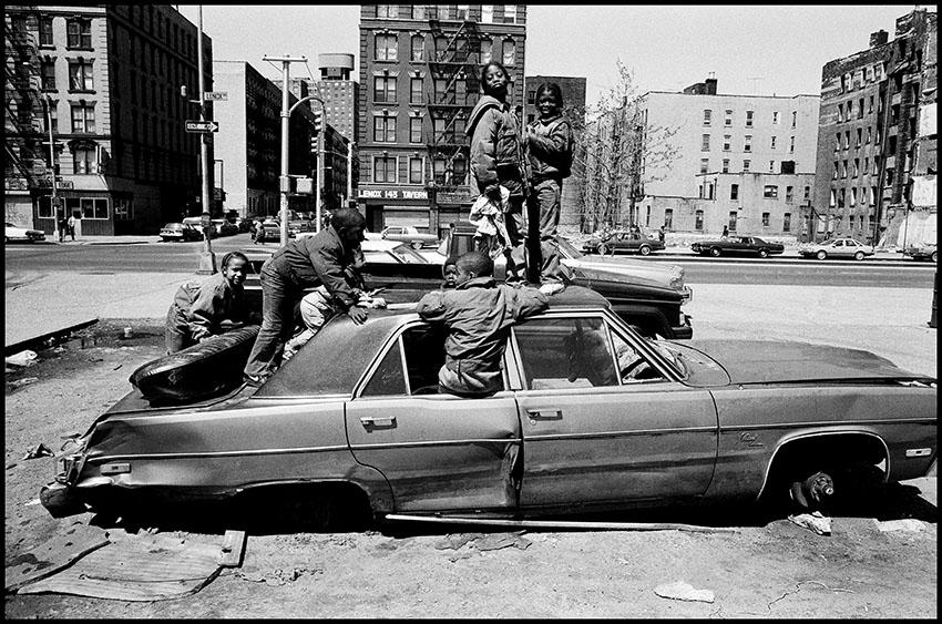 Harlem Street Scene, New York City, USA, 1987. Eli_Reed, Magnum Photos