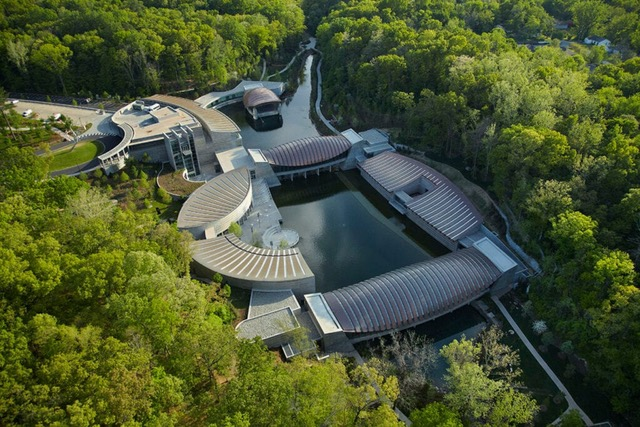 Crystal-Bridges-Aerial_Timothy-Hursley-1024x683
