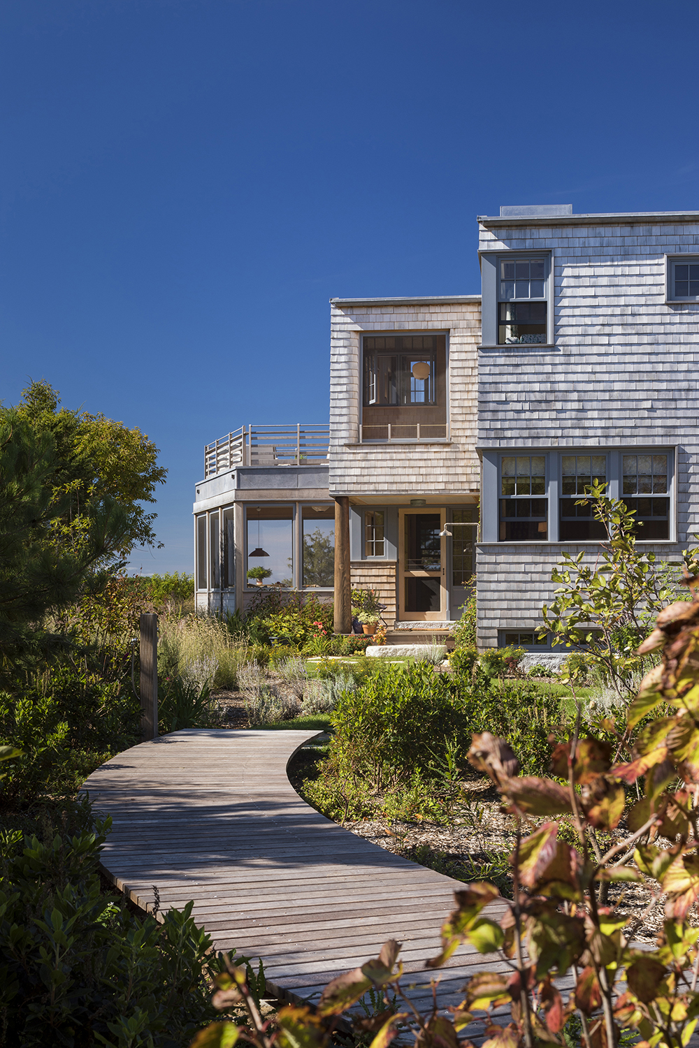 On martha s vineyard the meadow beach house by andrew for Meadow house