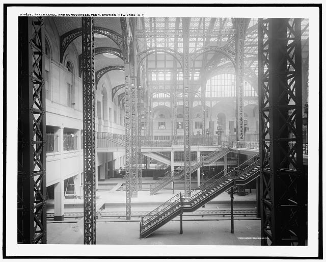 Library_of_Congress__Prints_and_Photographs_Division__Detroit_Publishing_Company_Collection_Track_Level_and_Concourses