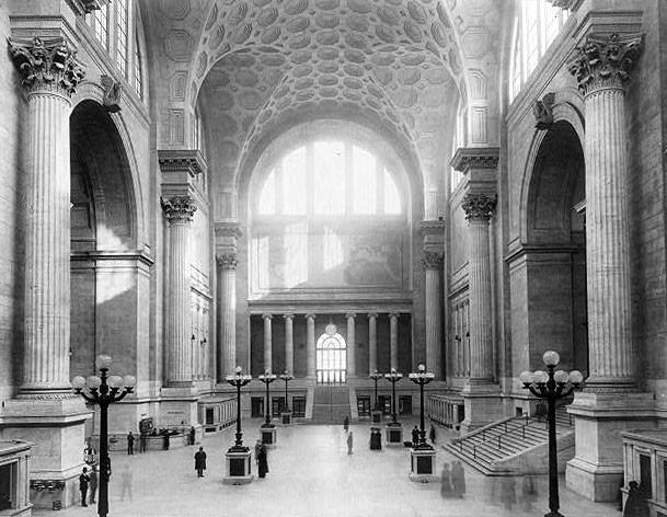 PennStation_WikimediaCommons_1911_Main_waiting_room