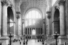PennStation_WikimediaCommons_1911_Main_waiting_room