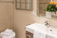Saumur, bath, Paris Perfect