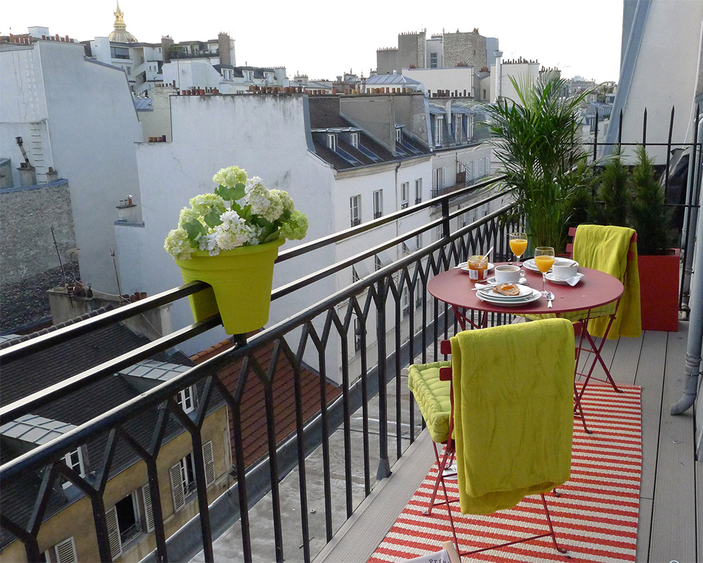 Saumur, balcony, Paris Perfect