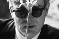 Dennis Hopper, Warhol with Flower, 1964, Iris print.The Andy Warhol Museum, Pittsburgh; Gift of Jay Reeg 2011.3.1 © Dennis Hopper, Courtesy of The Hopper Art Trust.