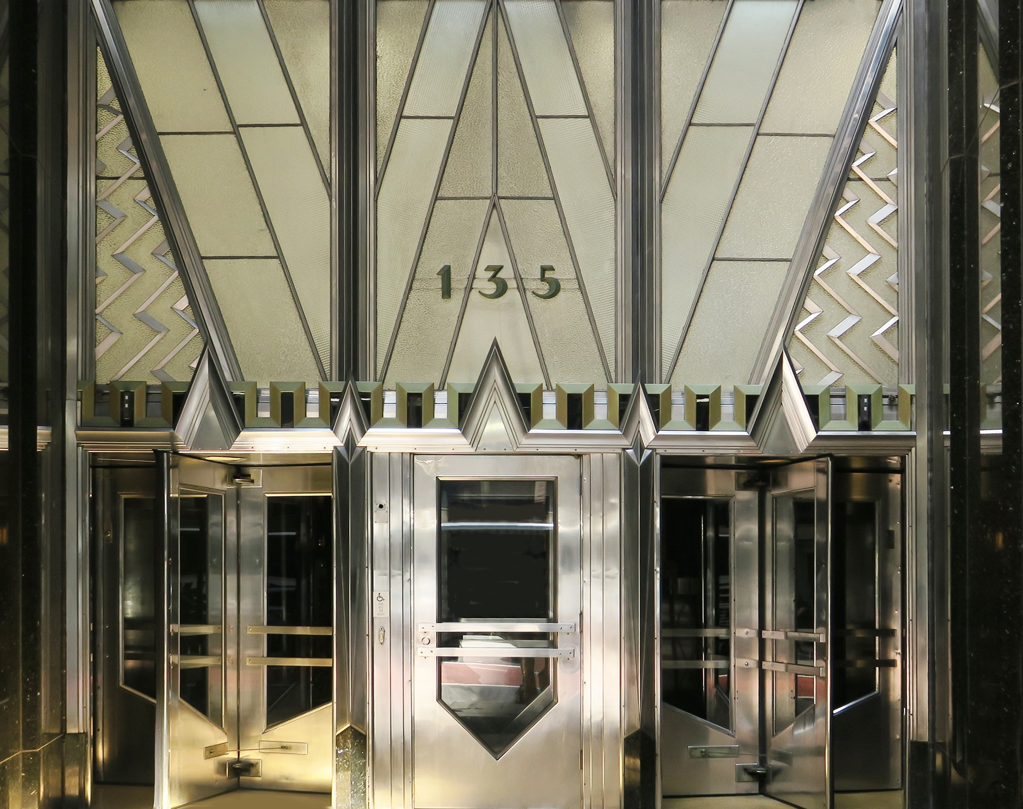 Chrysler-Building-photo-by-Paul-Clemence-10
