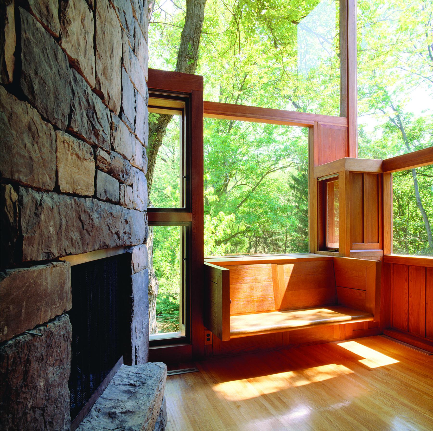 Fisher House, Window