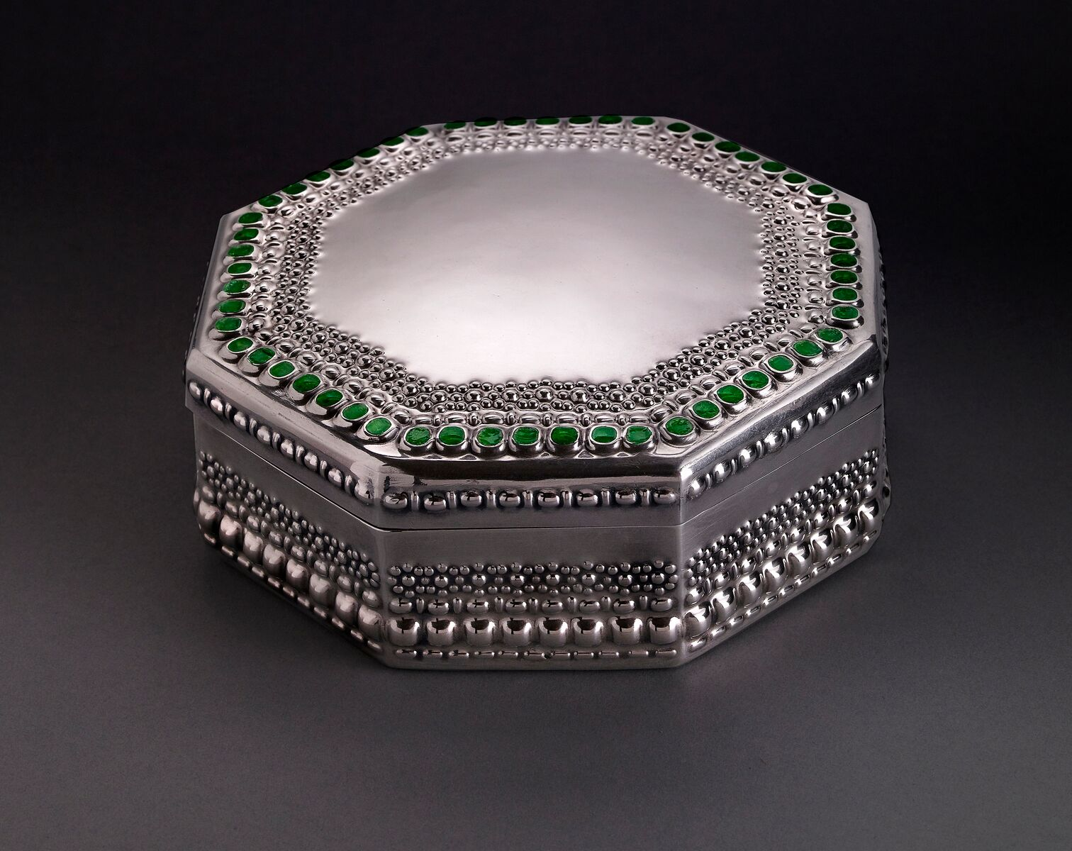 Tiffany Studios, Covered Box , about 1905, silver, transparent enamel. Photograph by John Faier. © 2013 Driehaus Museum