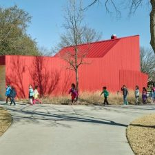 In Dallas, a Lab and a Barn by Marlon Blackwell