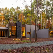 Louis Cherry Masters the L-Shaped Home Plan
