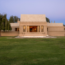 Tour Wright's Hollyhock House Virtually