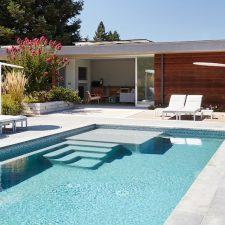 A Pool House Inspired by Mies's Barcelona Pavilion