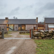 The New Farm Mingles Modern and Traditional