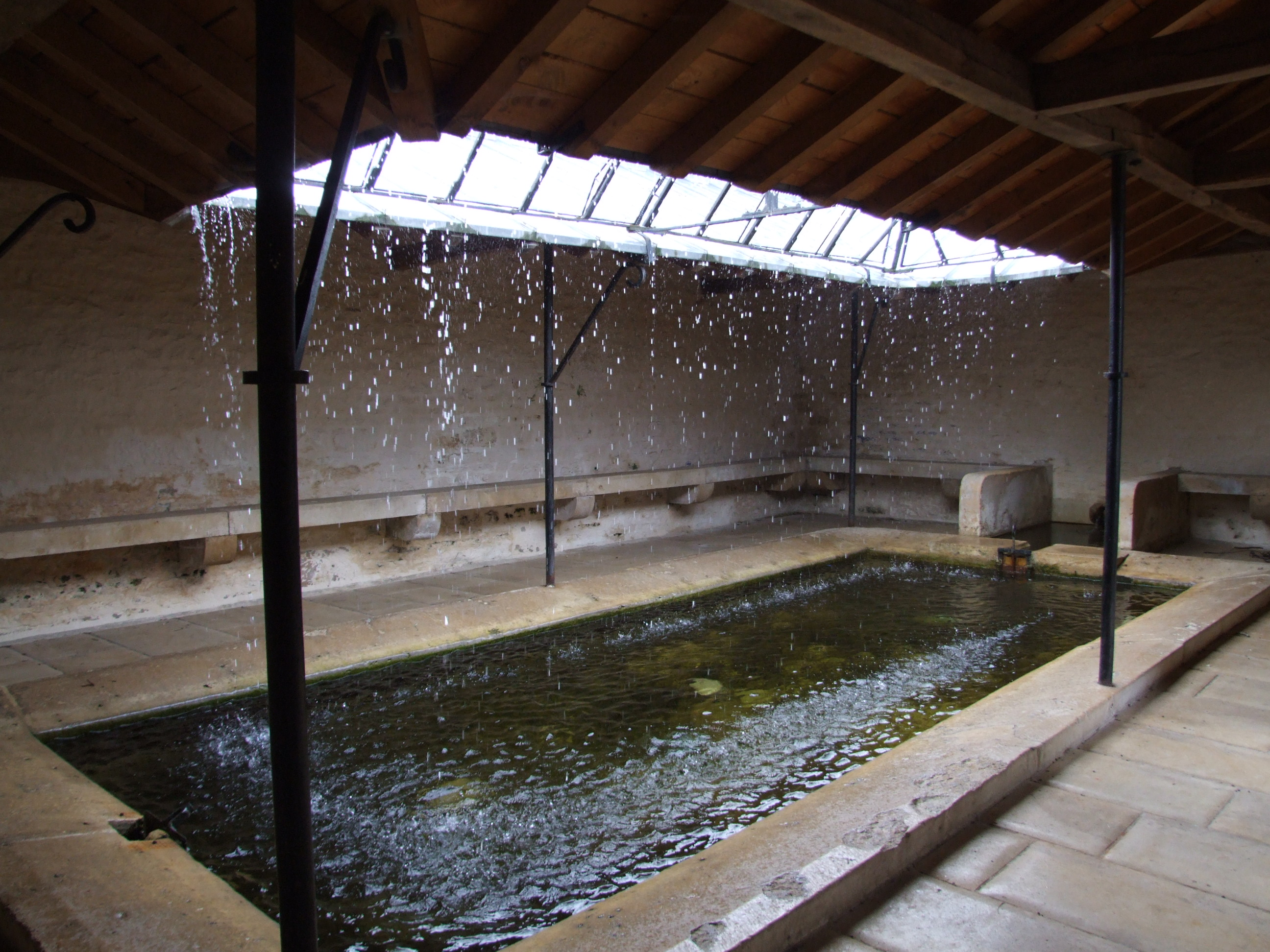 structure of an critical analysis essay