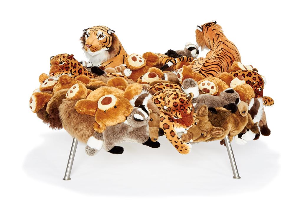 lama-campana-cake-stool