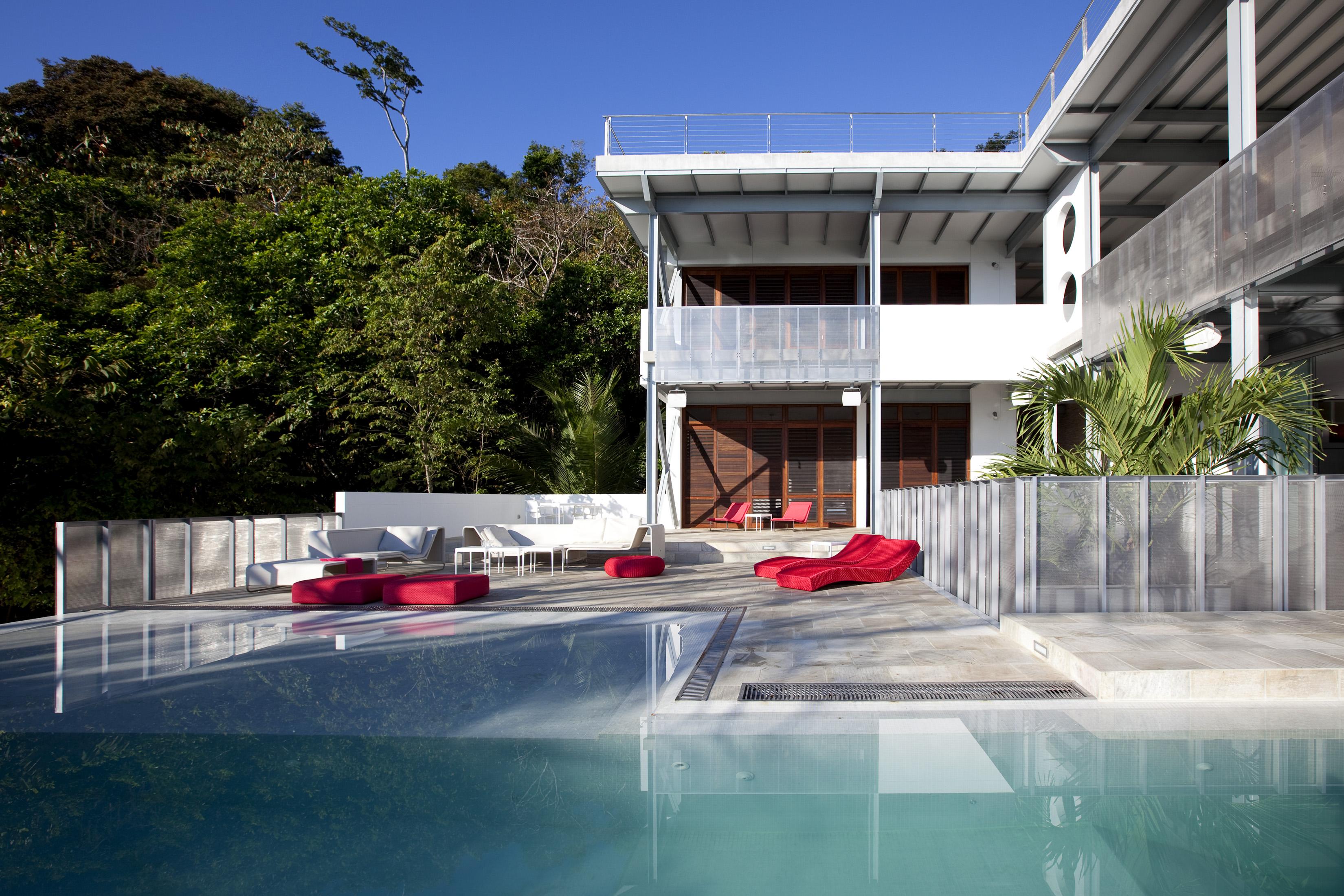 04 pool terrace