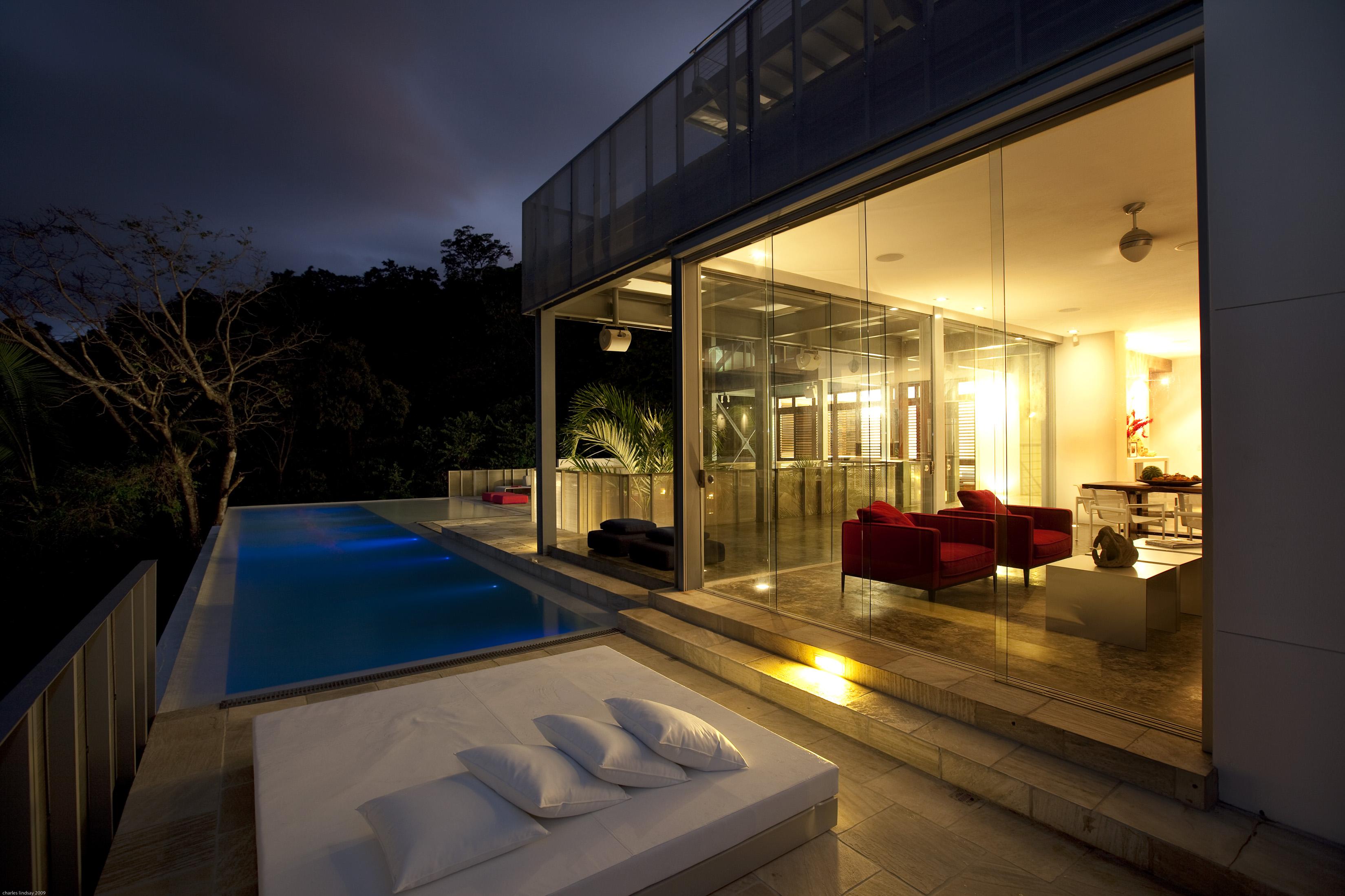 14 living and infinity pool