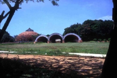 05-school-of-plastic-arts-entry-arches-low-res