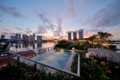the-fullerton-bay-hotel-singapore-rooftop-jacuzzi