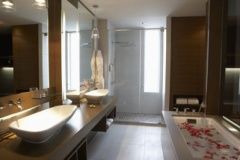 le_germain_calgary_bathroom