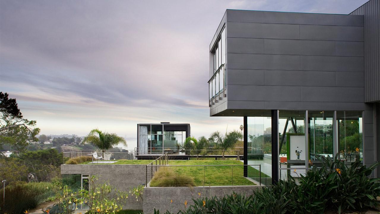 TR-2 House