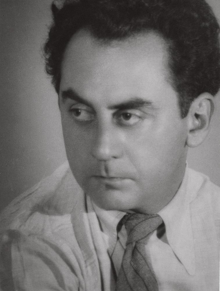 Lee Miller (1907–1977); Portrait of Man Ray, 1931; Gelatin silver print; 9 1/8 x 6 7/8 in. (23.3 x 17.5 cm); Lee Miller Archives, Sussex, England; © Lee Miller Archives, England 2011. All rights reserved. www.leemiller.co.uk