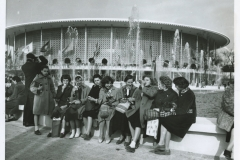 queens_library_front-of-the-us-pavilion