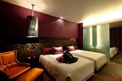 2-_hard_rock_hotel_singapore_room_interior