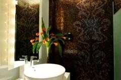 5-_hard_rock_hotel_singapore_bathroom