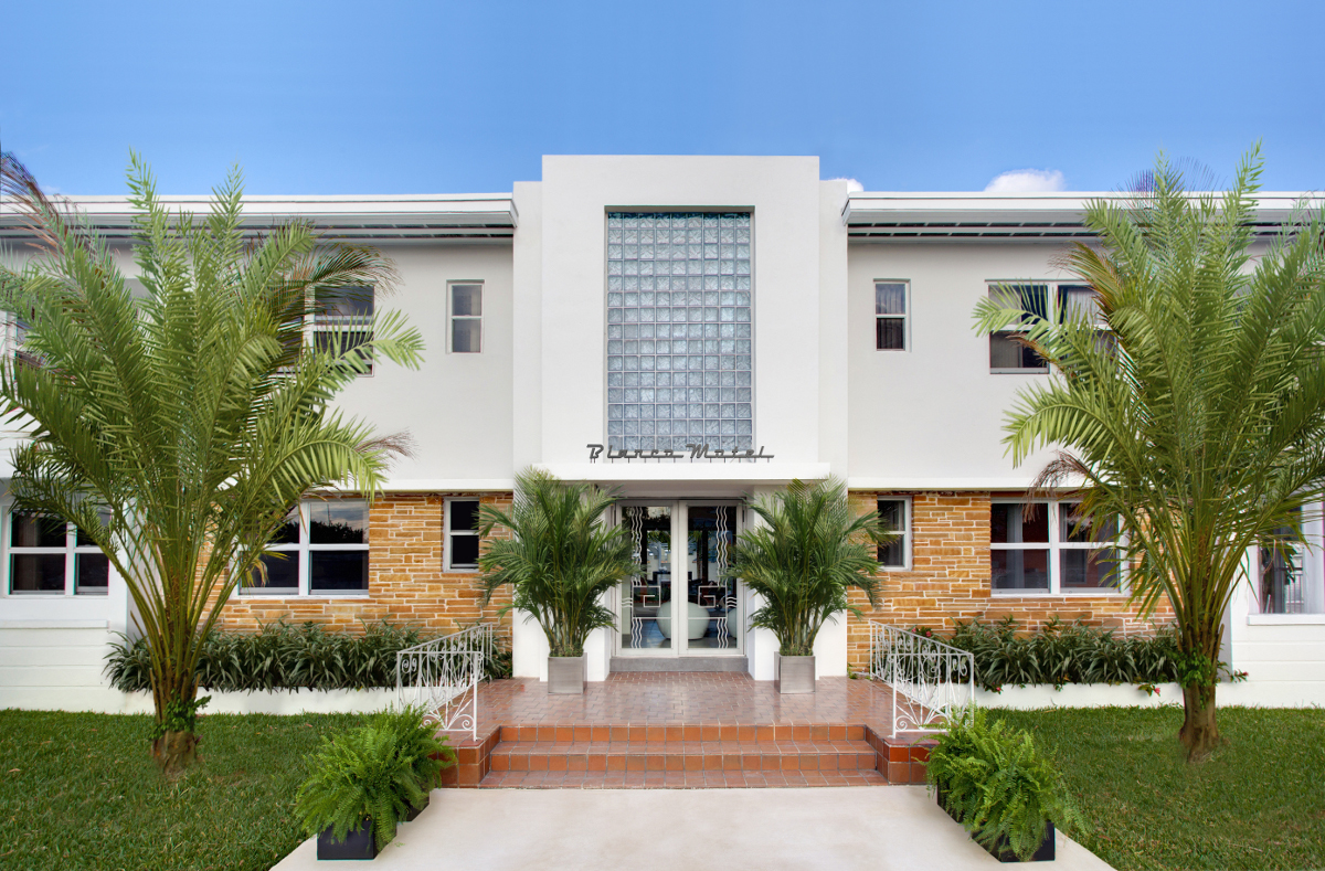 In miami a refreshed motel bianco architects and artisans for Motel exterior design