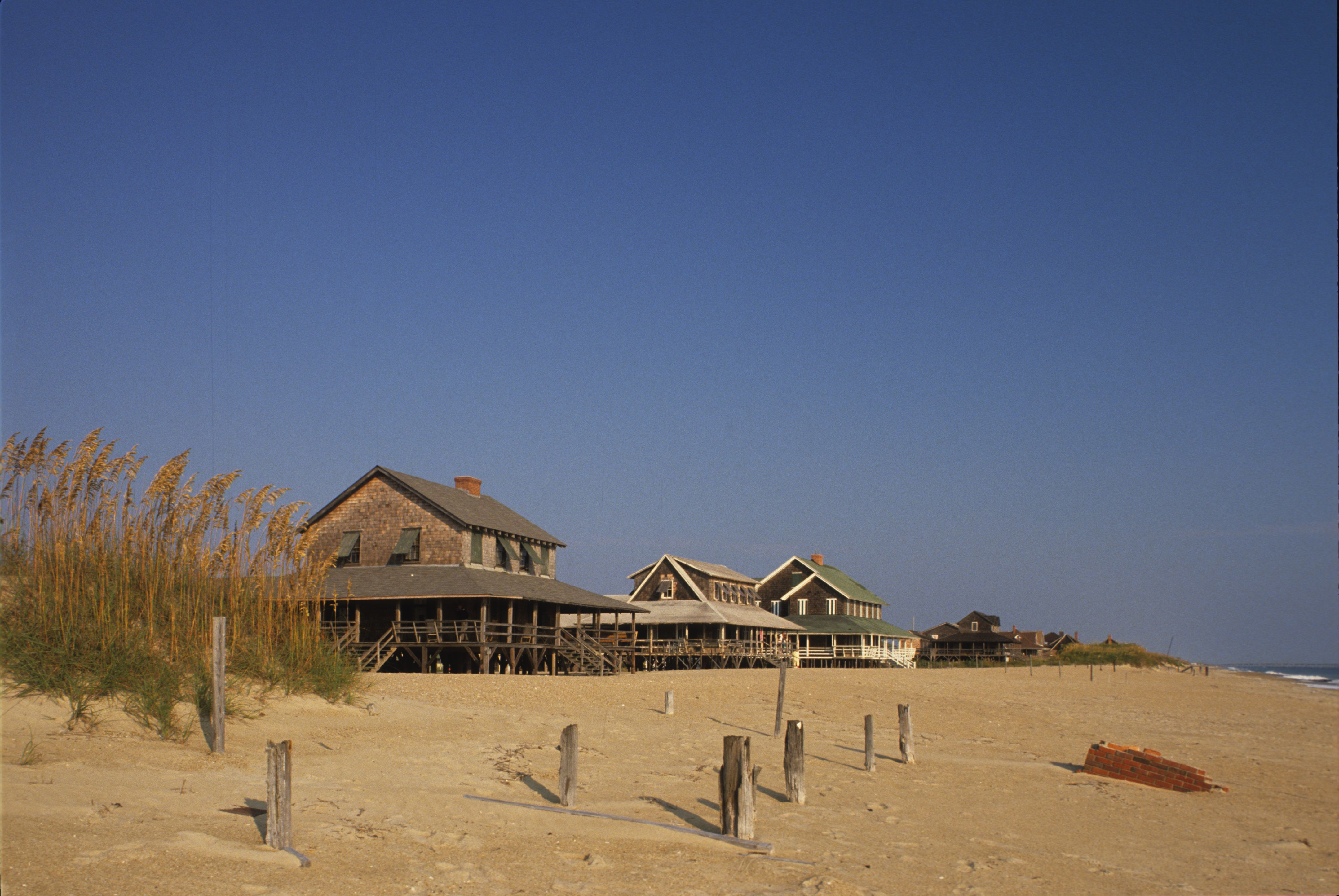 inn romantic getaway nags head on beach cottages with a is outer perfect for the pin banks