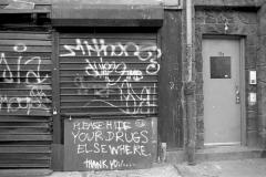 blogMurals+and+grafNew+York.+-Please+hide+your+drugs+elsewhere+sept.95
