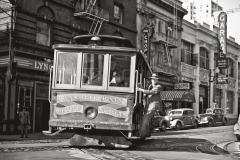San Francisco Cable car at Jones Street 1002418