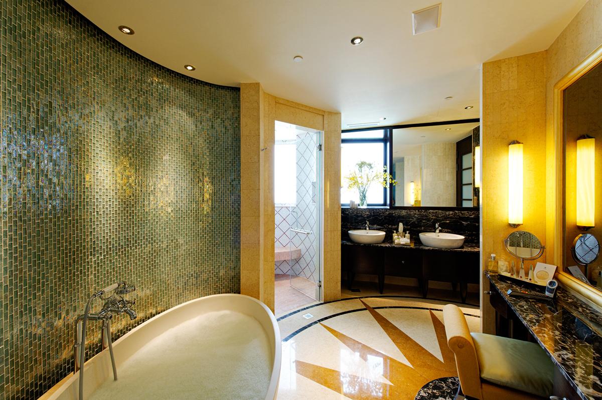 15 Crockfords Guest Bathroom